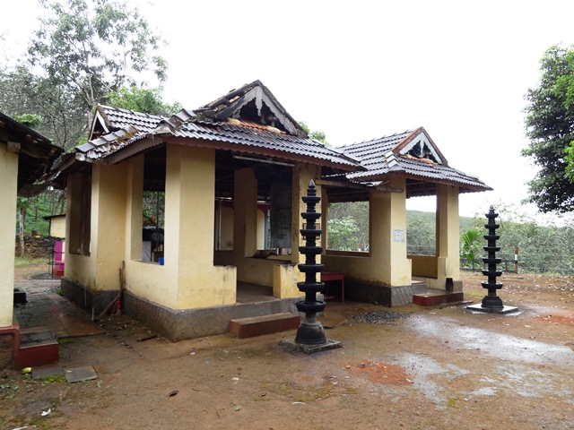 Poovan Para Mala           temple